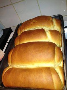 Prepare-se para saborear um delicioso pão. Ingredientes 2 copos e 1/2 de água morna 2 colheres de sopa de açúcar 1 colher de sal 1 ovo 1 copo... Read More »