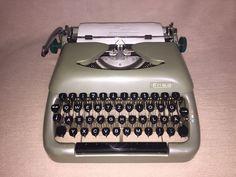 Mechanische Schreibmaschine Erika 12 portable typewriter
