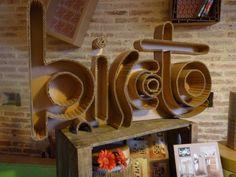 Biscoto création et fabrication de meuble et objet de décoration en carton https://www.facebook.com/pages/Biscoto/472227522855747?fref=ts