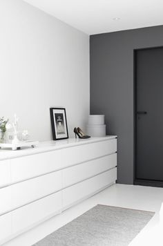 'Minimal Interior Design Inspiration' is a biweekly showcase of some of the most perfectly minimal interior design examples that we've found around the web - Interior Design Examples, Interior Design Inspiration, Design Ideas, Bedroom Inspiration, Interior Sketch, Web Inspiration, Design Projects, Home Bedroom, Bedroom Decor