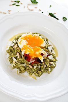 Ideas deliciosas, quinoa con pesto y huevo poché