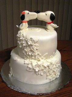 Snoopy And Belle This is a cake I made for a friend for their Anniversary. They had Snoopy and. Pretty Cakes, Cute Cakes, Beautiful Cakes, Amazing Cakes, Snoopy Cake, Charlie Brown Y Snoopy, Cakepops, Snoopy And Woodstock, Peanuts Snoopy