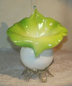 VICTORIAN STEVENS & WILLIAMS JACK IN THE PULPIT GREEN WHITE FOOTED VASE