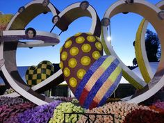 Donate Life's float entry in the 2013 Rose Parade - Beautiful & impacting.  Please,  become an organ donor! Don't put it off ... you could give the gift of life ♥