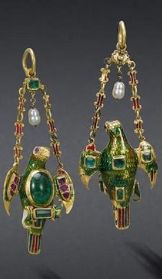 A Spanish Colonial gold, enamel and gem-set pendant, circa 1620 with 19th century additions. <3