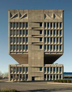 Armstrong Rubber/Pirelli Tire Building New Haven, CT - U.S.A. by Marcel Breuer,1969 Image © Ty Cole, 2011
