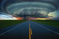 Road to Super cell tornado storm Weather Cloud, Wild Weather, Beautiful Sky, Beautiful World, Images Cools, Fuerza Natural, Cool Pictures, Cool Photos, Funny Photos