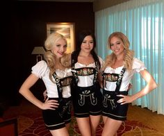 Lederhosen girls