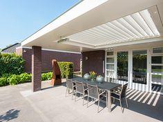 Aluminium terrasoverkappingen. Passend bij elke architectuurstijl, sfeer en smaak. Ook bij verbouw van woningen in klassieke stijl.