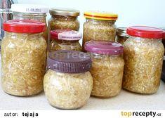 Jablkový křen recept - TopRecepty.cz Pesto, Mason Jars, Kitchen, Foods, Food Food, Cooking, Food Items, Kitchens, Mason Jar