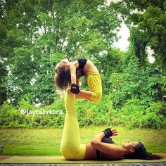 14 Mother-Daughter yoga poses