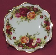 Royal Albert OLD COUNTRY ROSES Small Butter Pat Plate ENGLAND  MINT CONDITION  #RoyalAlbert