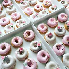 Lots and lots of these pretty lemonade donuts made this morning donated to raise money for Breast Cancer @nbcfaus - together we can make a difference