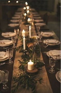 Christmas table centerpieces - Holiday Pinspiration Throw The Ultimate Christmas Soiree – Christmas table centerpieces Noel Christmas, Rustic Christmas, Christmas Crafts, Simple Christmas, Elegant Christmas, Woodland Christmas, Christmas Candles, Christmas Wrapping, Outdoor Christmas