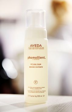 Add weightless body and voume to fine hair with the help of organic honey and burdock in our Phomollient Styling Foam.