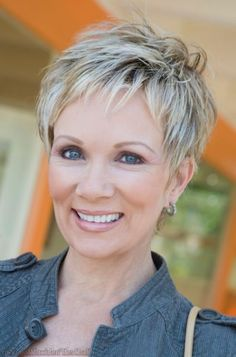 pixie haircuts older women |