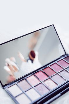 The VarageSale App - Buy and sell makeup, cosmetics, fragrances, and accessories easily in a safe environment.