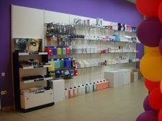 Tot la noi veti gasi produse de cosmetica, articole de unica folosinta pentru saloane, aparatura profesionala si make-up. :)