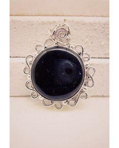 #vintage #herşey #italian #gem #puertorico #giftforher #monogram #pendant #silver #gemstone #onyx #black #handmade #gemstone #jewellery #riyogems #emerald #much #silverjewelry
