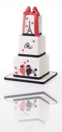 Parisian inspired cake. #Paris #French. @Celebstylewed.