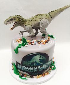 Jurassic World cake Dinosaur Birthday Cakes, Dinosaur Cake, Dinosaur Party, Jurassic World Cake, Jurassic Park Party, Lego Jurassic, Cupcake Party, Party Cakes, Cupcake Cakes