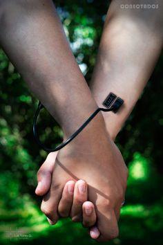 Conectados #USB #Hands #Arms #HumanTechnology