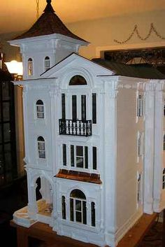 Very large two piece Italianate Victorian doll house. This house is split down the middle for ease of transport. Diy Dollhouse, Dollhouse Furniture, Dollhouse Miniatures, Dollhouse Design, Barbie Furniture, Miniature Furniture, Miniature Houses, Miniature Dolls, Dreamhouse Barbie