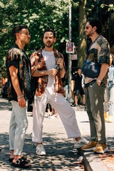 The Best Street Style from New York Fashion Week: Men's - Man Fashion Rugged Style, Style Casual, Style Men, Men's Style, Men Casual, Rugged Men, Casual Styles, Smart Casual, New York Fashion