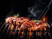 Tips for Grilling a Perfect Steak in the Backyard Bbq Steak, Bbq Beef, How To Grill Steak, Barbecue, Beef Steaks, Cancer Causing Foods, Perfect Grill, Carnivore, Healthy Grilling