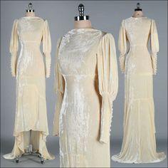 Vintage 1930s Wedding Dress . Ivory Silk Velvet . Champagne . Empire Waist . Bias Cut