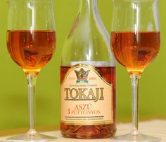 Noble Rot- Great wines from rotten grapes Hungarian Cuisine, Hungarian Recipes, Hungarian Food, Just Wine, Growing Grapes, Goulash, Hungary, White Wine, Alcoholic Drinks