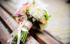 Best Online Wedding Flowers Gypsophila - best choices to try wedding flowers online! Beautiful Bouquet Of Flowers, Flower Bouquet Wedding, Rose Bouquet, White Flowers, Send Flowers, Fresh Flowers, Budget Wedding, Plan Your Wedding, Wedding Planner