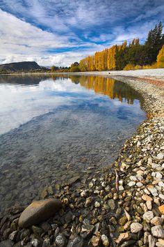 Autumn in Lake Wanaka // South Island, New Zealand // photo by adam burton