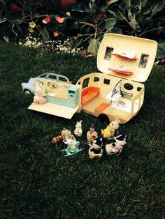 """Helen Morgan-Rogers sent in this photo of her Sylvanians """"Camping with friends on a summers eve"""" #sylvaniansummer #sylvanianfamilies"""