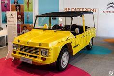 #Citroën #Méhari au salon Auto e Moto d'Epoca de Padoue Reportage :  http://newsdanciennes.com/2015/10/27/grand-format-auto-e-moto-depoca-a-padoue/ #ClassicCar #Vintage #Voiture #Ancienne
