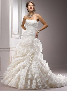 Large View of the Addison Bridal Gown... its the wedding version on the big flower dress carrie bradshaw wore