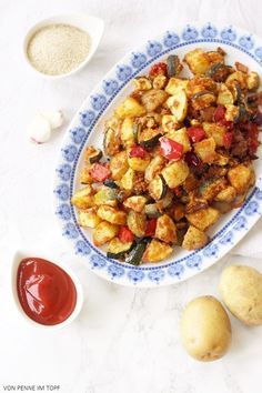Kartoffeln - die sättigenden guten Kohlehydrate  *** Super knuspriges Kartoffel - Zucchini - Gemüse aus dem Ofen ***