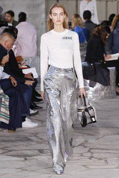 Moda: peças metalizadas atualizam seu look para a temporada. Escolha!