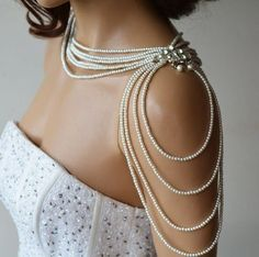 Pearl Shoulder Necklace, Wedding Dress for Shoulder Jewelry, Bridal Shoulder Necklace, Rhinestone and Pearl Bridal Jewelry Accessories Perlen Schulter Halskette Brautkleid für Schulter Schmuck Wedding Jewelry And Accessories, Bridal Jewelry, Accessories Display, Jewelry Displays, Hair Accessories, Shoulder Jewelry, Shoulder Necklace, Body Chains, Body Jewelry
