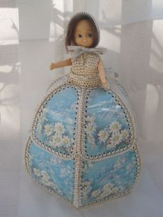 Crochet Doll - I've never seen cards used like this!