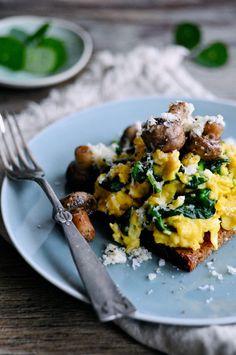 Sund scrambled eggs opskrift