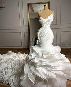 "bkFLYnest on Instagram: ""This Dress is D O P E"" Wedding Dress Organza, Sweetheart Wedding Dress, Dream Wedding Dresses, Bridal Dresses, Couture Wedding Gowns, Stunning Wedding Dresses, Civil Wedding Dresses, Mermaid Sweetheart, Designer Wedding Gowns"