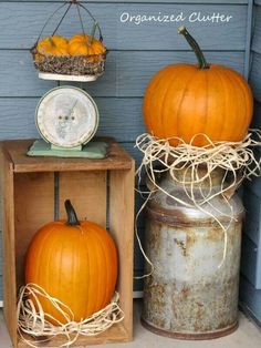 57 Amazing Vintage Fall Decor Ideas Idea Box by Organized Clutter love the milk can with pumpy-Fall milk can decor Autumn Decorating, Porch Decorating, Decorating With Milk Cans, Decorating Ideas, Vintage Fall Decor, Country Fall Decor, Vintage Porch, Rustic Fall Decor, Vintage Country