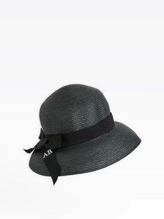 chapeau pliable naoma noir   agnès b. Hats, Fashion, Hat, Black People, Woman, Moda, Fashion Styles, Fasion, Hipster Hat