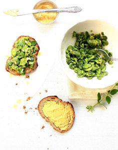 Pratos e Travessas: Crostini de favas com cominhos, alho e manjerona | Food, photography and stories