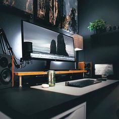 Pc Setup, Desk Setup, Home Office Setup, Home Office Desks, Bedroom Setup, Bedroom Ideas, Home Studio Desk, Desk Inspo, Desktop Design