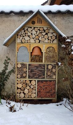 Garten This is how you build an insect hotel - The Manowerker Youth Sports Schedules: Alerts Keep Pa Bug Hotel, Plan Potager, Garden Boxes, Woodland Nursery, Raised Garden Beds, Raised House, Raised Beds, Garden Planning, Garden Projects