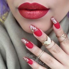 Pair your lips with your nails. Get those red with hues of gold shimmer for your lips and a red matte nails with silver glitters to partner it off via 50 Coffin Nail Art Ideas Gold Stiletto Nails, Red Matte Nails, Nails Yellow, Coffin Nails Matte, Gold Glitter Nails, Red And Silver Nails, Acrylic Nails, Pink Coffin, Gel Polish Nails