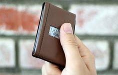 20 Minimalist Wallets That Hold Everything You Need - Hongkiat