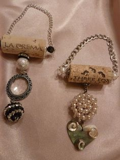 Items similar to Vintage Pearls and Beads Wine Bottle Pendant Set on Etsy Wine Cork Jewelry, Wine Cork Art, Bottle Jewelry, Bottle Necklace, Necklace Set, Wine Craft, Wine Cork Crafts, Bottle Crafts, Resin Crafts
